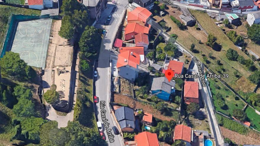 Calcinado un galpón que se usaba como vivienda en Vigo