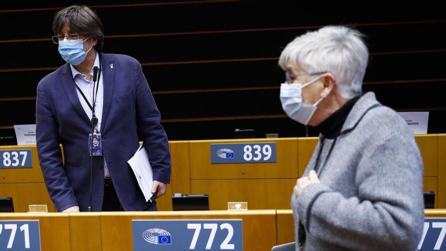 El Parlamento Europeo retira la inmunidad a Puigdemont y dos exconsejeros catalanes