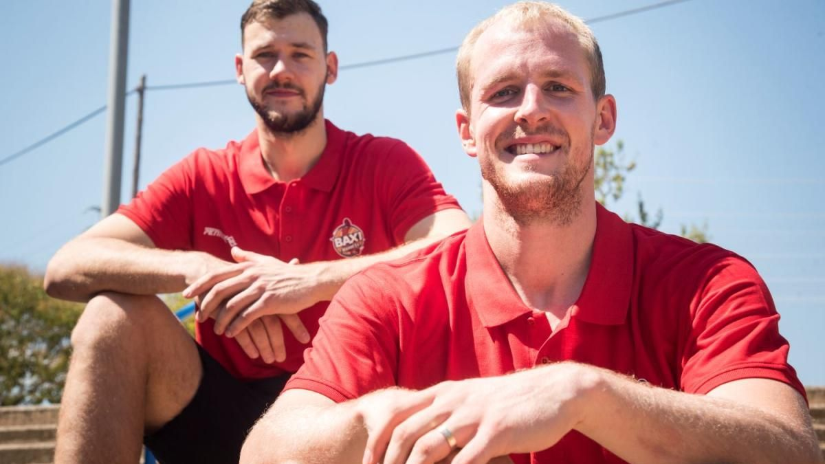 Martynas Sajus i Seth Hinrichs, jugadors del Baxi Manresa  
