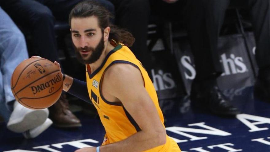 Los Jazz de Rubio vencen con contundencia a los Spurs