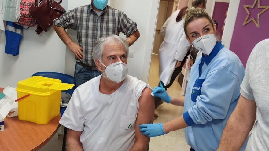 Andalucía recibirá 113.500 dosis de la vacuna de Moderna entre enero y febrero