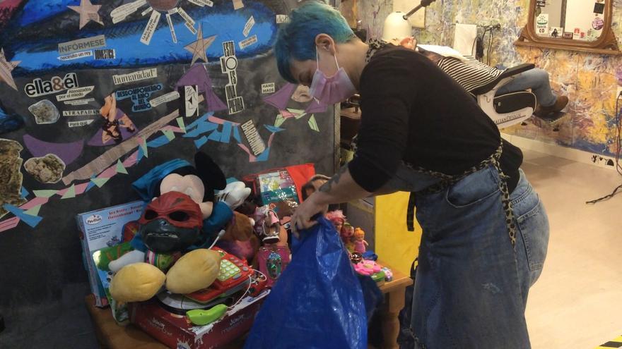 Teatinos se une para donar alimentos y juguetes en Navidad