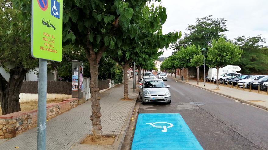 Conscienciació sobre les places d'aparcament de mobilitat reduïda a Calonge i Sant Antoni