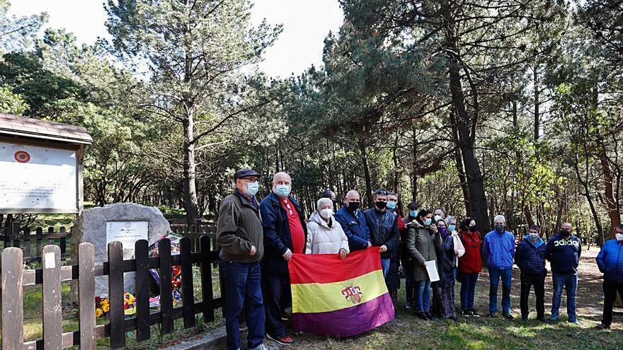 Banderas tricolor por el 14 de abril y en recuerdo a los represaliados