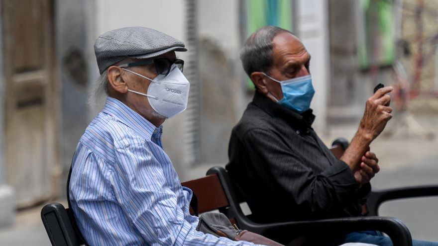 El Gobierno distribuirá 688.000 mascarillas en Canarias