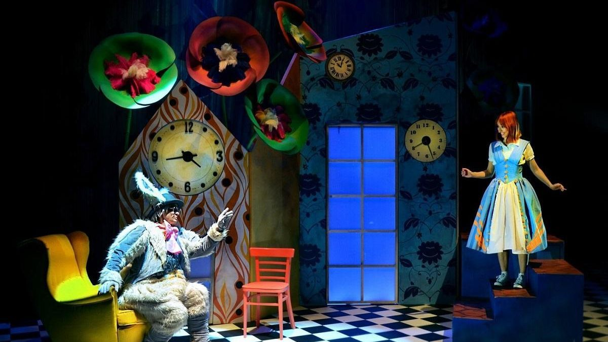 Alicia en el musical de las maravillas que se pondrá en escena en el Teatro Cervantes de Málaga dentro del ciclo de teatro infantil.