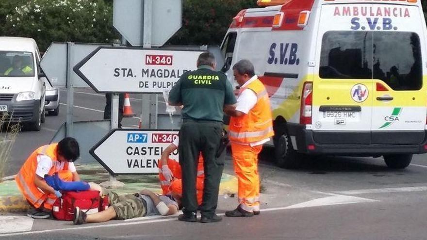 Un ciclista colisiona con un coche en la N-340 en Benicarló y es ingresado en el hospital
