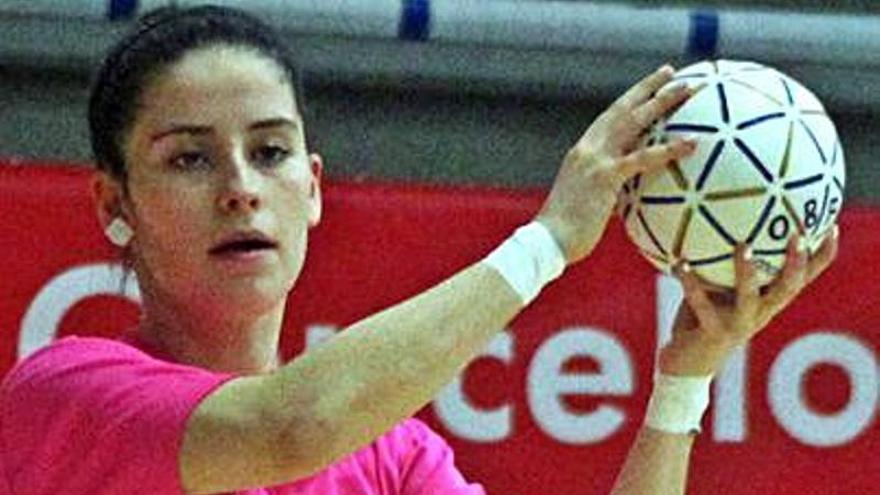 Elsa Martín, fuerza de la cantera para el senior del Oviedo BF