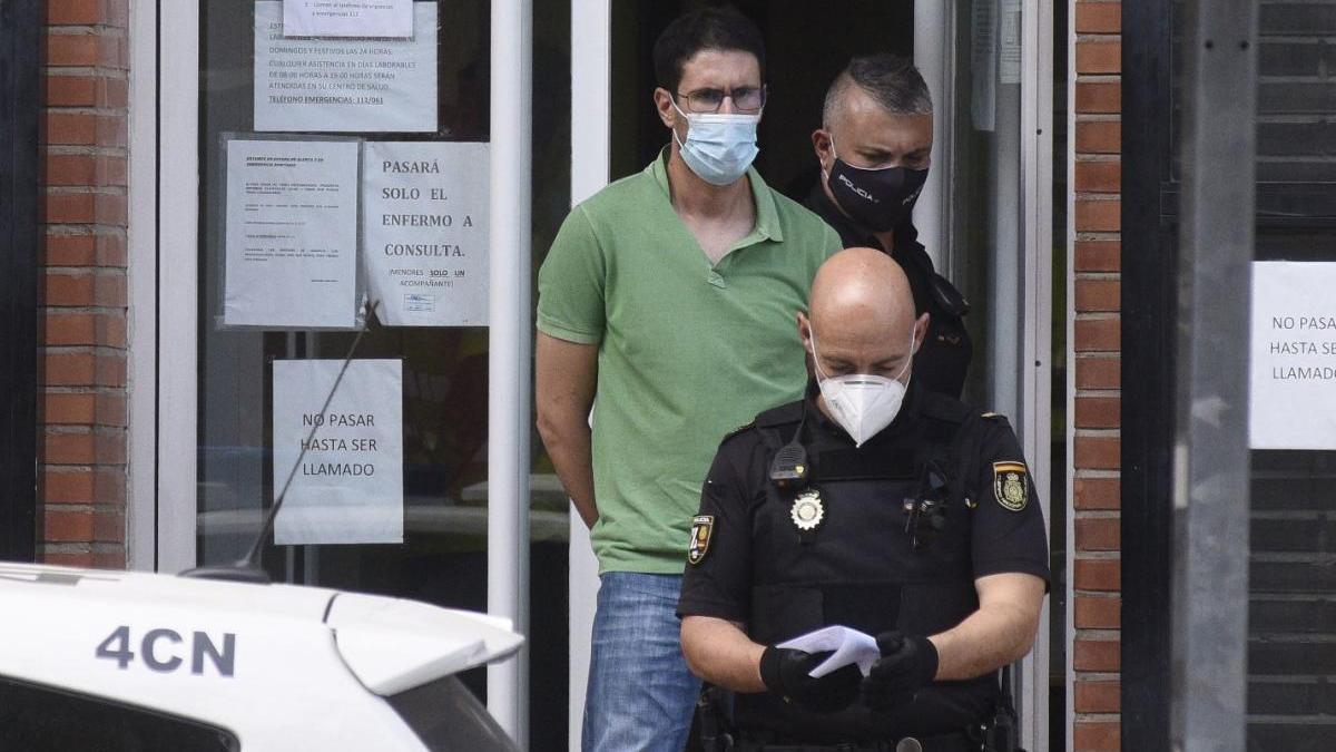 Héctor V. M., custodiado por la Policía Nacional.
