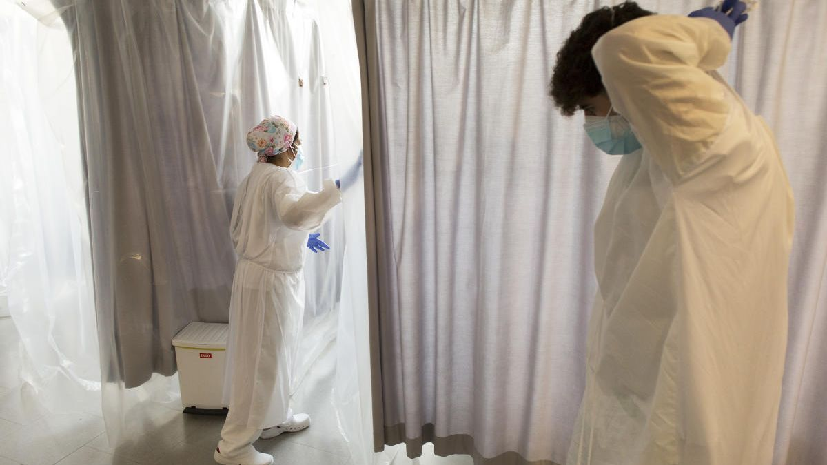 Baixen a 14 els pacients ingressats per Covid-19 a l'Hospital de Figueres