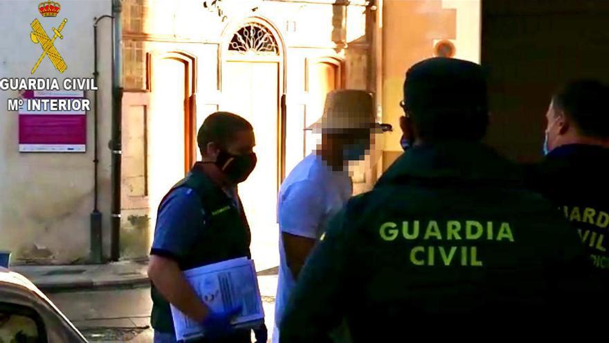 Detenido Nacho Vidal por la muerte del fotógrafo José Luis Abad en un rito chamánico