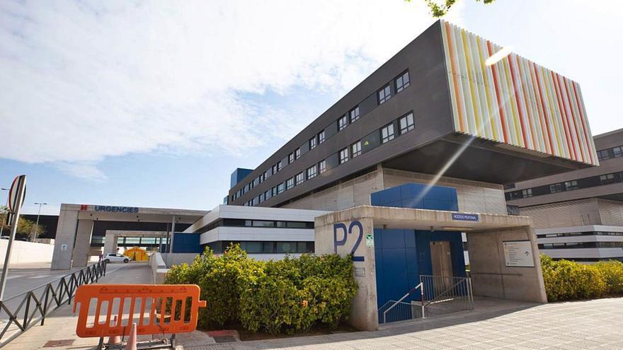 Denuncian al Hospital Can Misses de Ibiza por desahuciar a un paciente que entró con una pulmonía