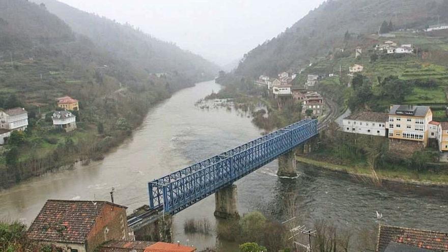 Licitadas obras por 10,5 millones para el tramo ferroviario Ourense-Monforte