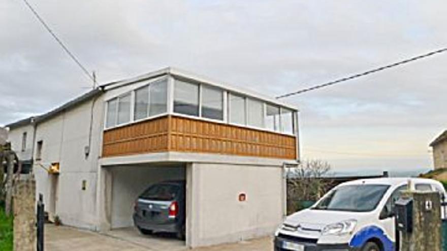 129.000 € Venta de casa en Cambre 130 m2, 3 habitaciones, 1 baño, 992 €/m2...