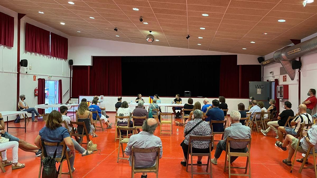 La presentació del llibre «101 Comunicats» va donar el tret de sortida a la Festa d'Estiu del municipi.