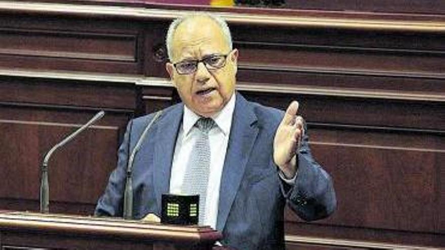 Curbelo pide a Moreno que informe sobre los contratos de RTVC