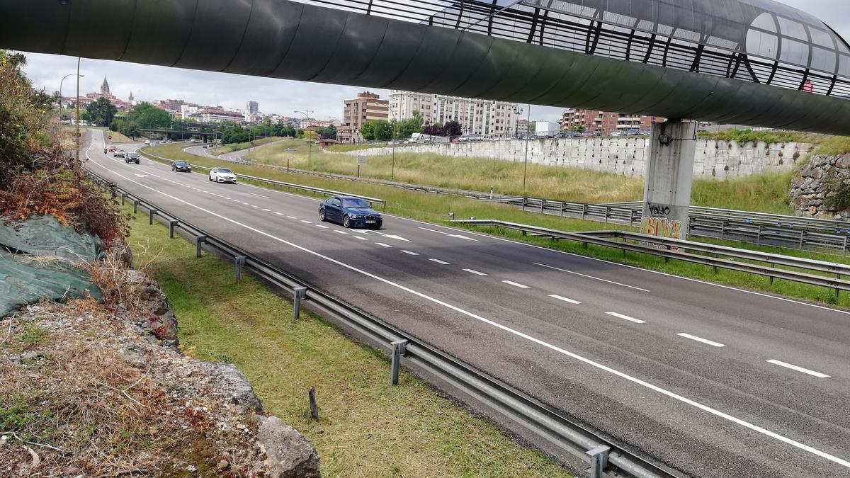 El puente sobre la carretera.