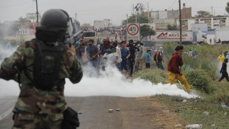 Al menos tres muertos en las protestas de trabajadores agrarios en Perú
