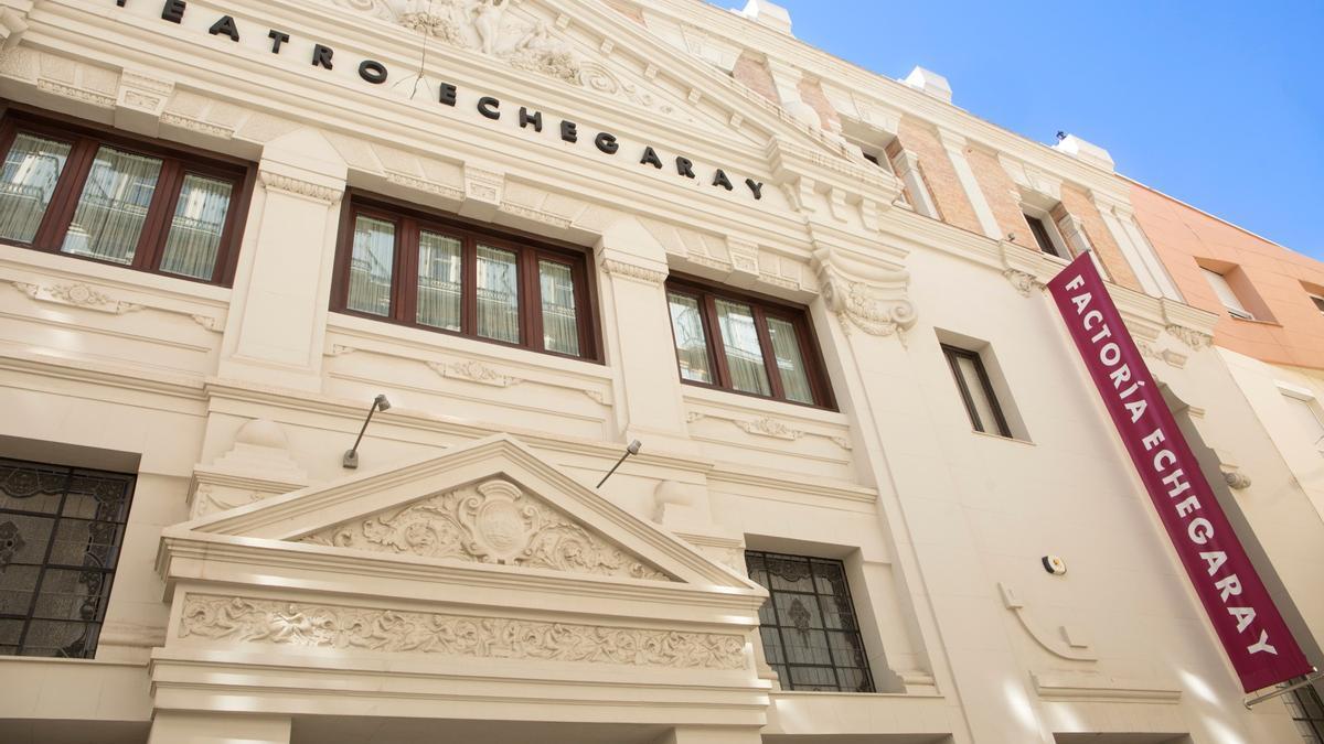 Fachada del Teatro Echegaray.