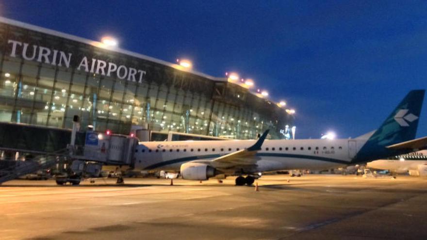 Detectan cuatro positivos por coronavirus en un vuelo de Ibiza a Turín