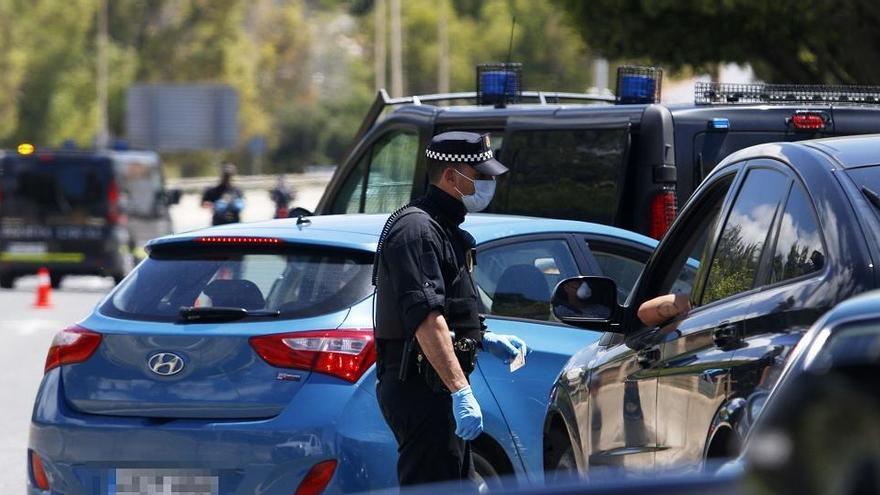 La Policía Local denuncia a 2.000 personas por participar en botellones y fiestas privadas
