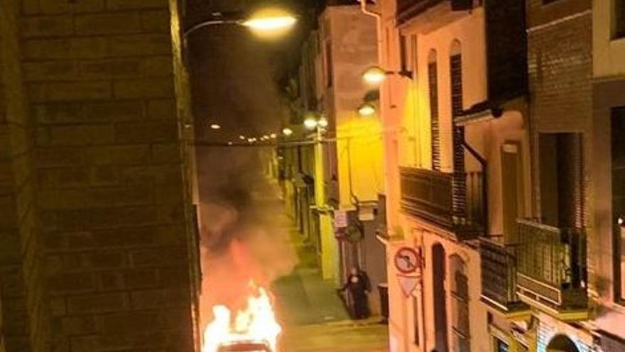Segundo coche consumido por las llamas en Vila-real en dos días