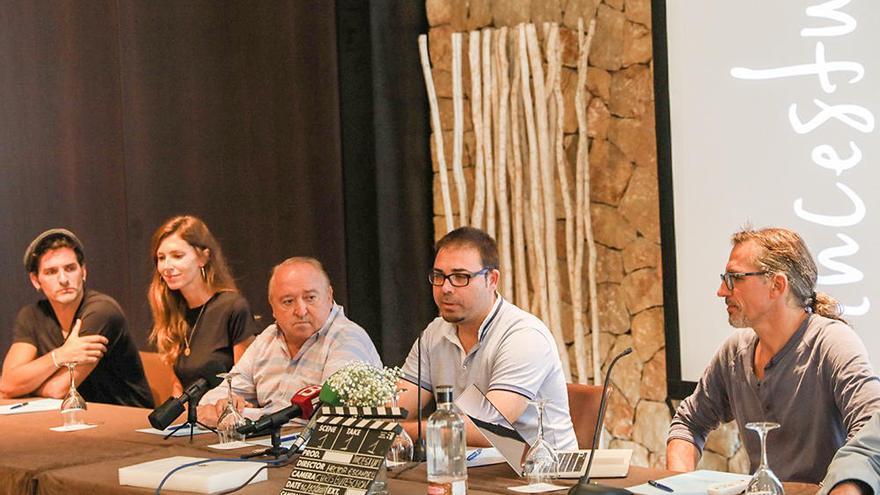 Héctor Escandell rueda con Fernando Esteso en Ibiza