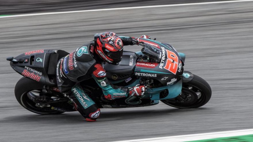 Quartararo arrasa en la clasificación de Malasia y fuerza el error de Márquez