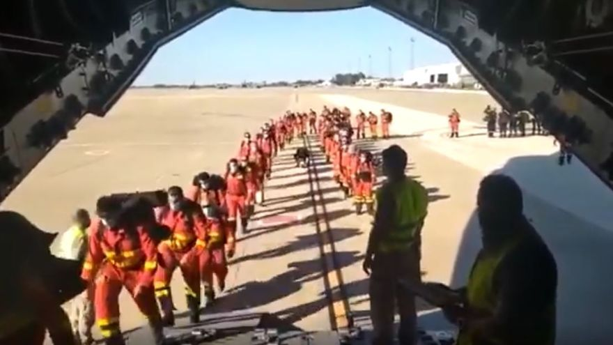60 militares de la UME se trasladan desde Morón (Sevilla) a La Palma
