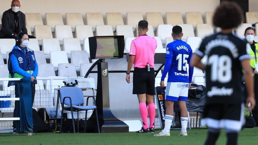 Los arbitrajes al Oviedo: Más de tres meses sin un penalti