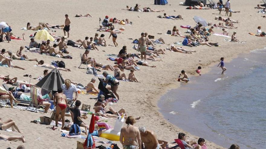 L'AECC conscienciarà sobre el càncer de pell en piscines i platges gironines