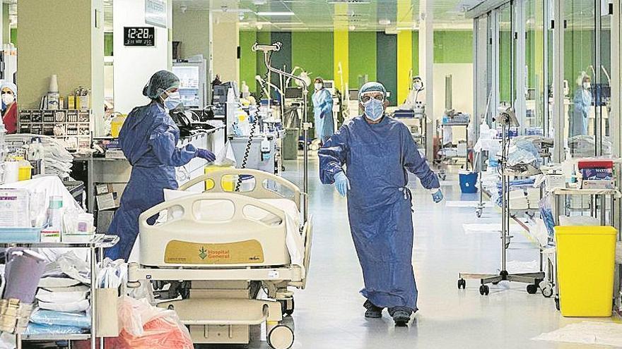 Las hospitalizaciones por coronavirus se desploman un 94% en UCI