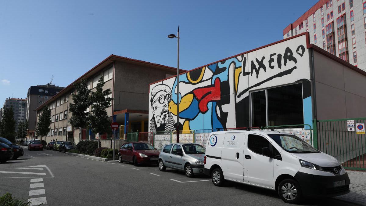El CEIP Pintor Laxeiro tiene dos aulas en cuarentena. // Ricardo Grobas