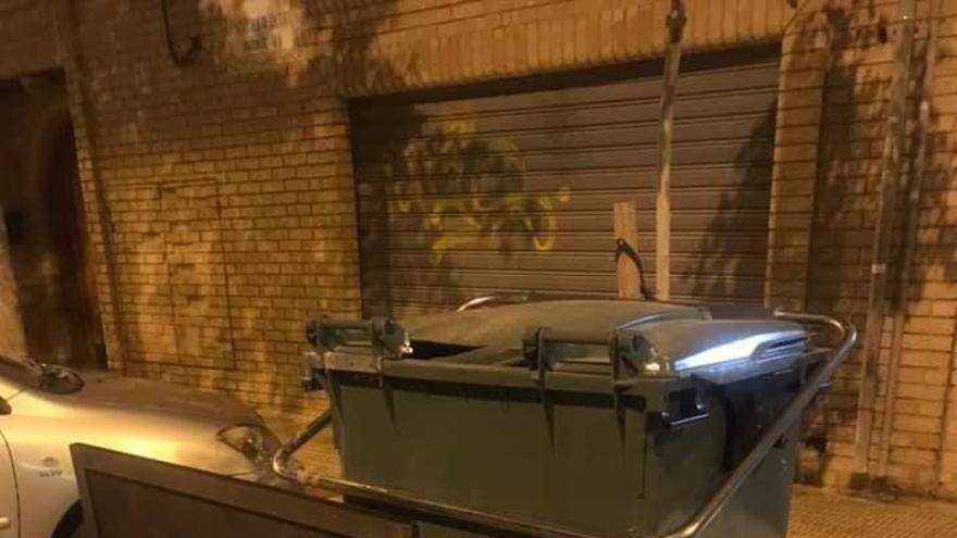 El abandono de voluminosos sigue en Castelló pese a las cartas del Ayuntamiento