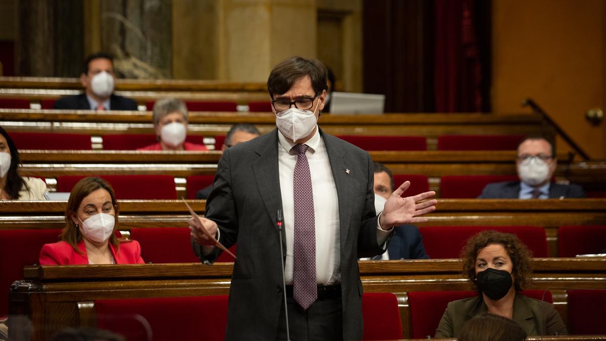 El líder del PSC, Salvador Illa, en el Parlament de la Generalitat