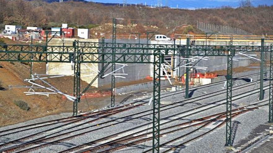Muro para la estación del tren de alta velocidad.