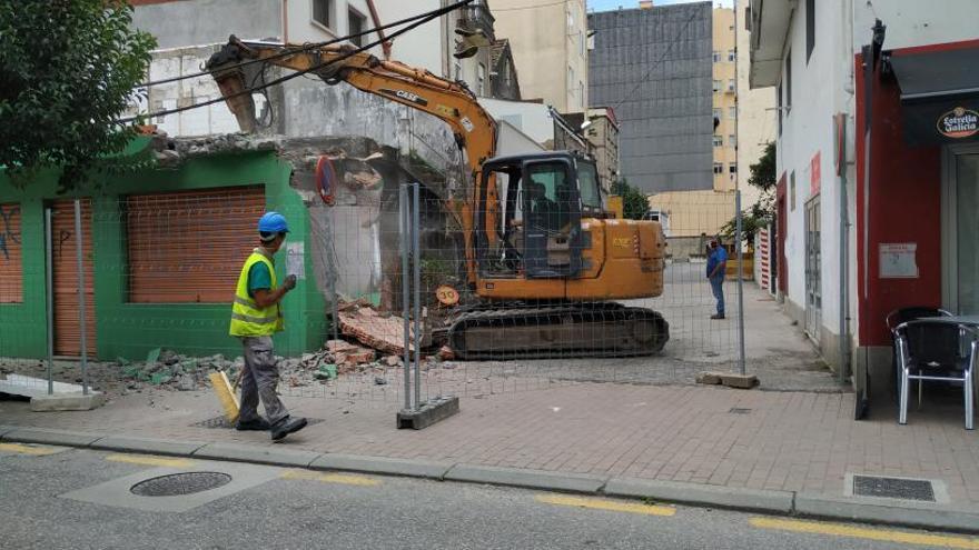 Comienzan los trabajos para levantar un edificio entre la Avenida de Marín y Méndez Núñez