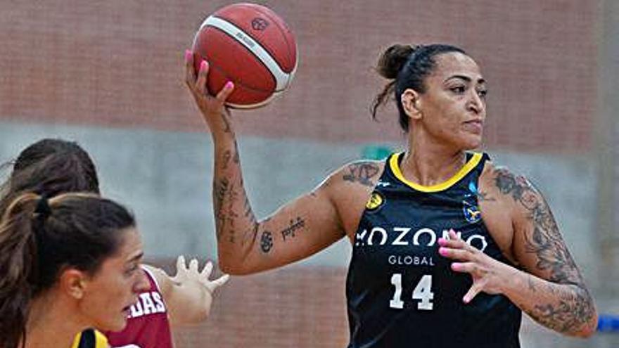 Erika de Souza brilla para guiar al Hozono Jairis a la victoria