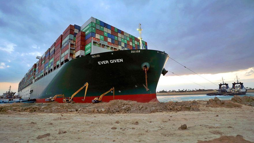 El accidente en Suez dispara los seguros de los megabuques y encarece el comercio exterior