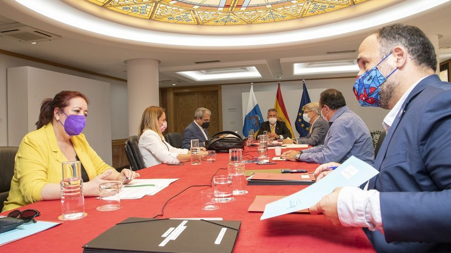 El Gobierno abre las islas a países con bajas cifras de Covid y a vacunados
