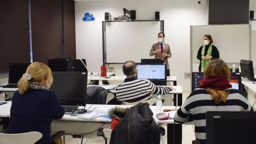 Junta y Ayuntamiento de Córdoba se reúnen con la Lanzadera Conecta Empleo