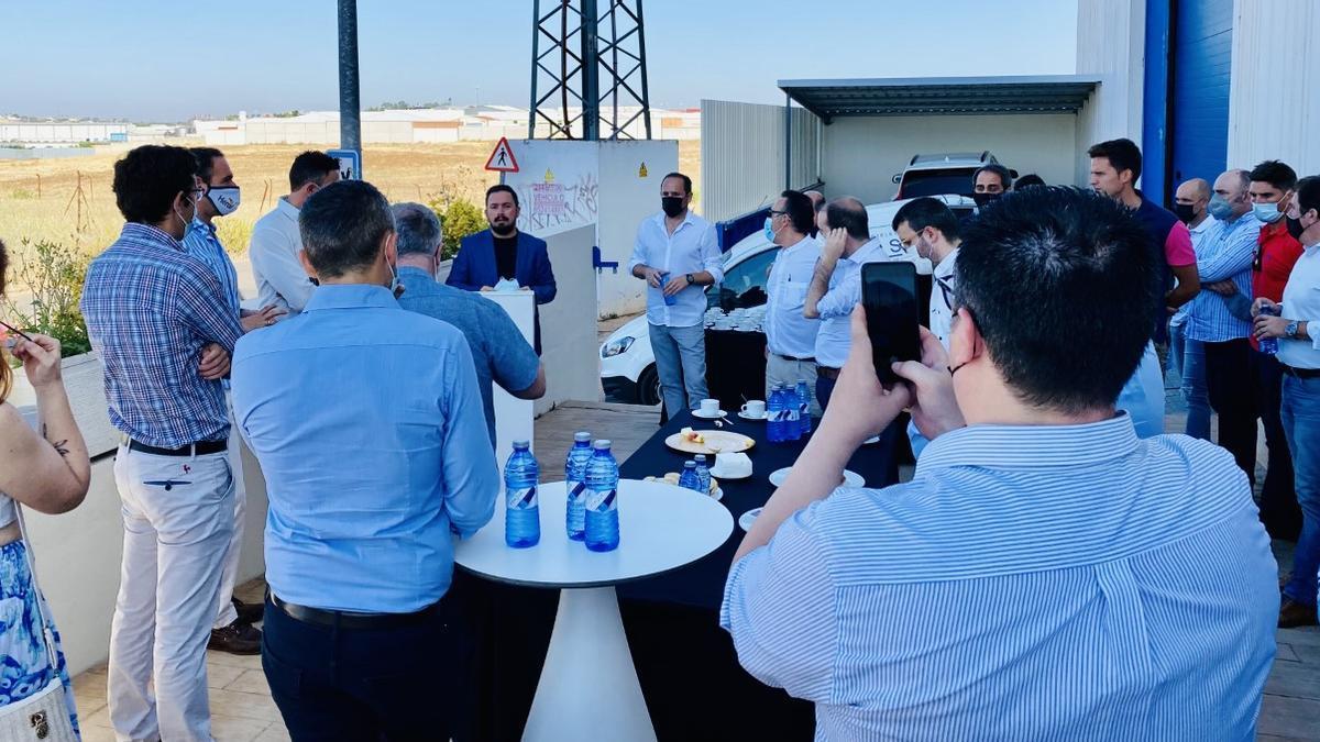 Daniel Romero, presidente de AJE, da la bienvenida a los empresarios en Dihex