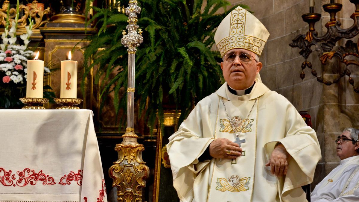 Jesús Murgui, en una imagen en la Seu cuando era obispo de Mallorca.