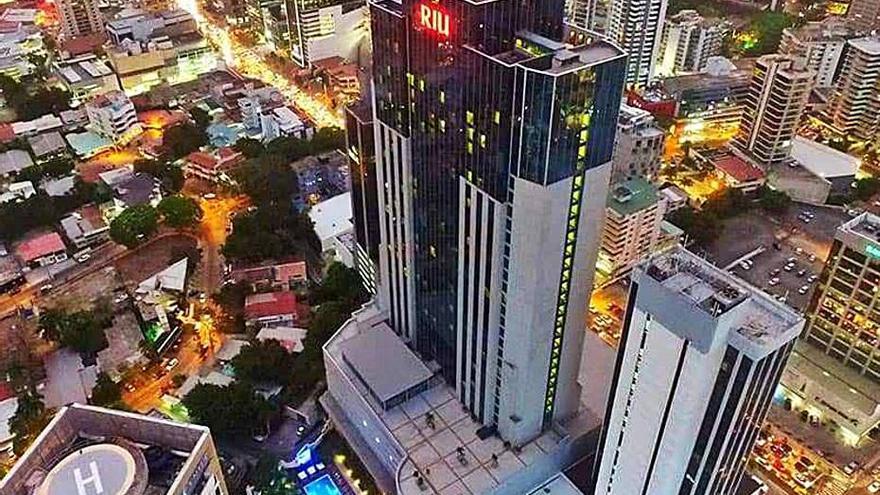 La cadena RIU vende tres de sus hoteles en Madeira, Lanzarote y Ciudad de Panamá