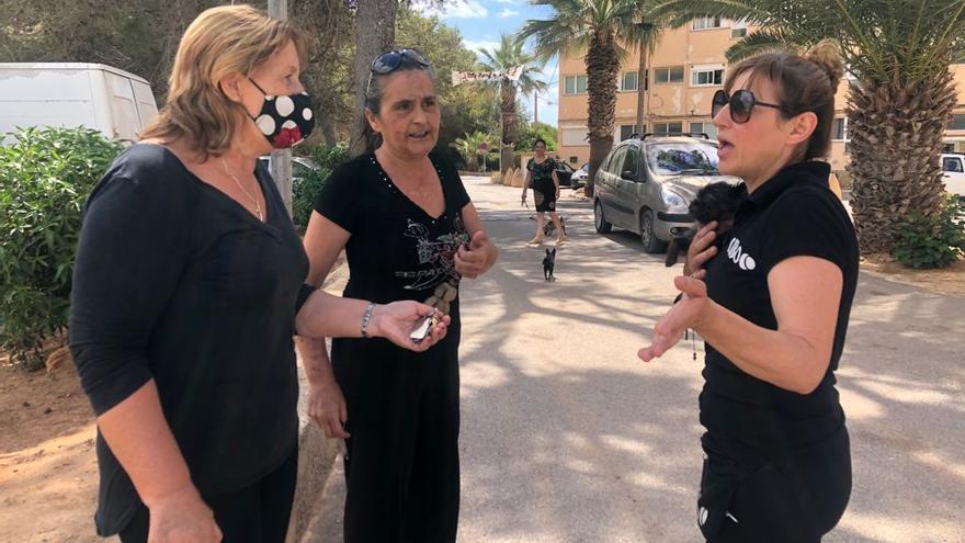 """Vecinos del Don Pepe de Ibiza: """"En Son Banya les dan viviendas y a nosotros nos quitan las nuestras sin alternativa""""."""