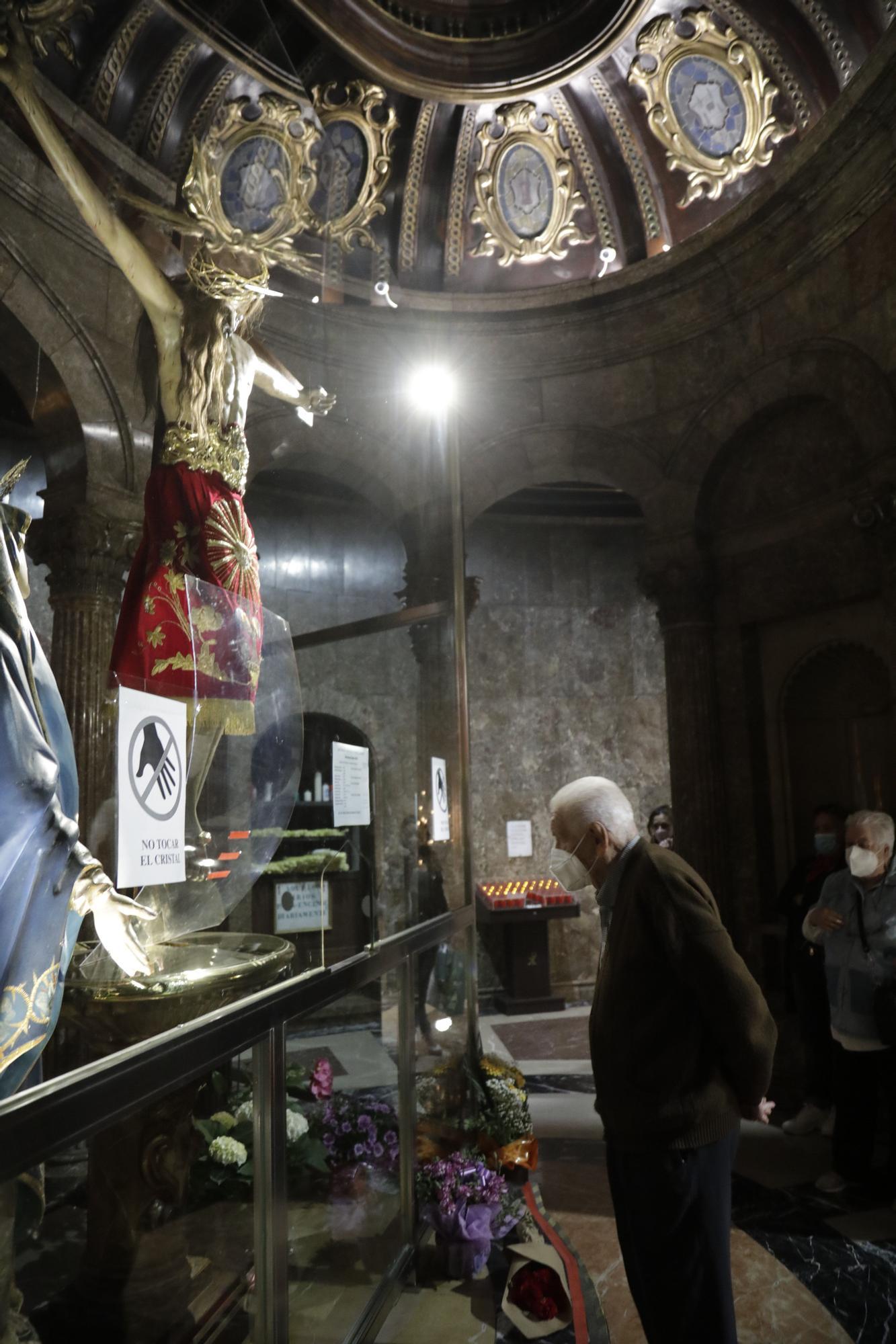 Otro año sin el Davallament del  Crist de la Sang, aunque con aforo limitado