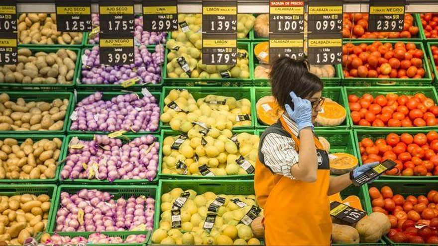 El BOE publica el nuevo convenio de Mercadona, con un sueldo mínimo de 1.300 euros