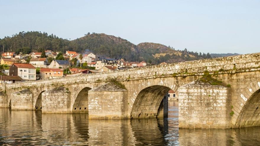 Tramo do Camiño Portugués con guías oficiais