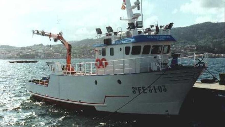 Dos muertos en el naufragio de un barco en Galicia
