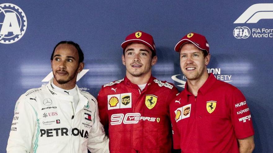 Leclerc logra en Singapur su tercera 'pole' consecutiva